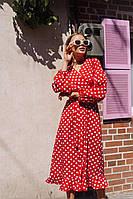 Коктейльное платье в горох с V-образным вырезом