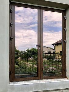 Входные алюминиевые двери для дома
