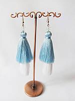 Летние серьги кисти, шелковая нить, цвет белый + голубой, подарок подруге