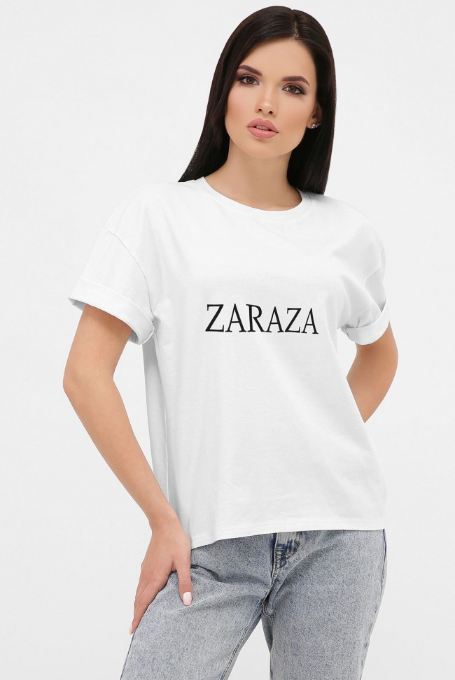 Жіноча біла футболка зі спущеним рукавом і написом ZARAZA 46