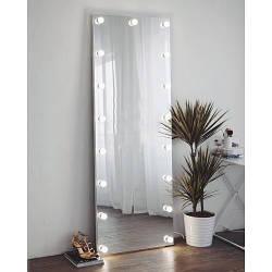 Зеркало в полный рост, с лампочками.
