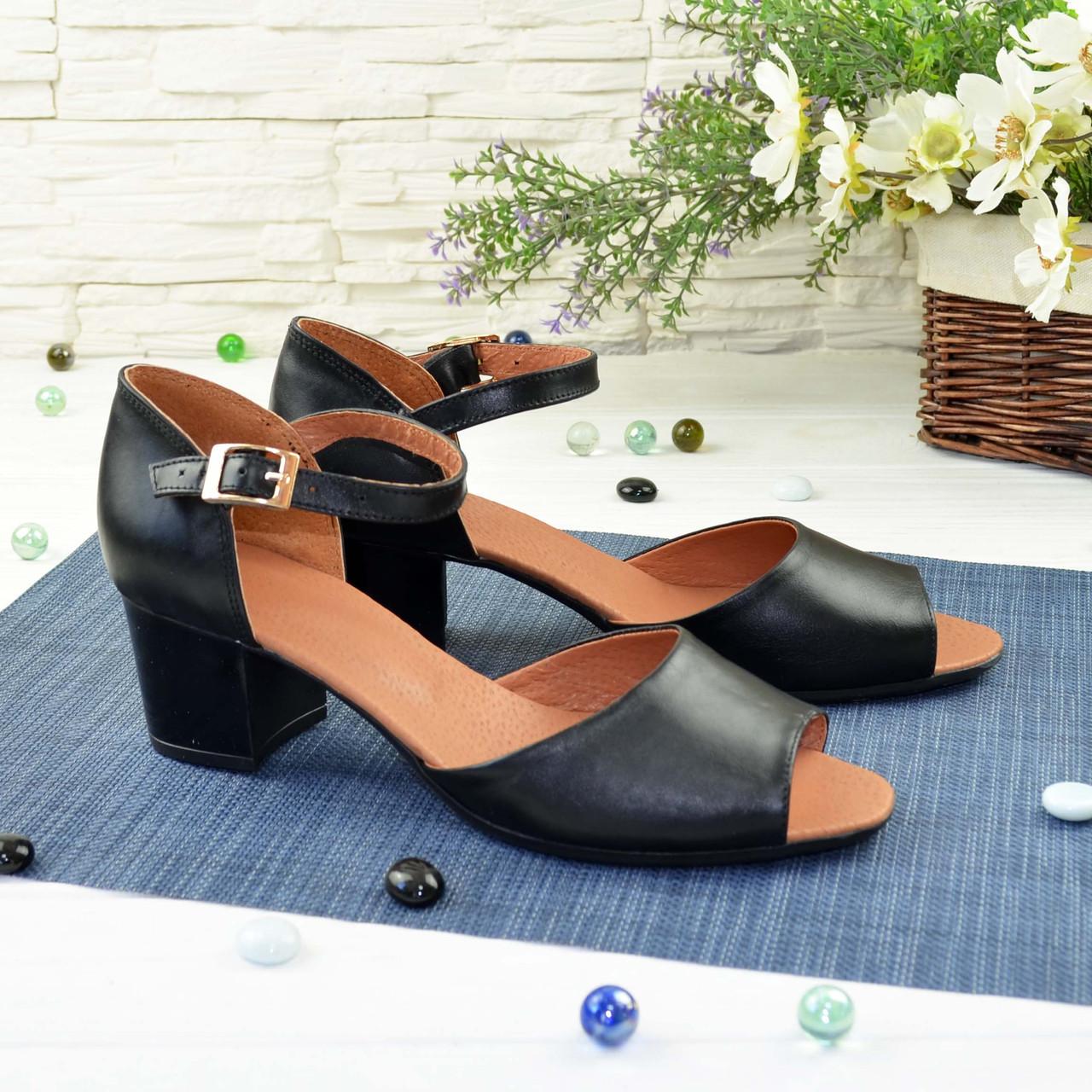 Босоножки женские черные кожаные на каблуке