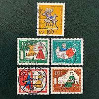 8Почтовые марки -Сказки Германия Q3