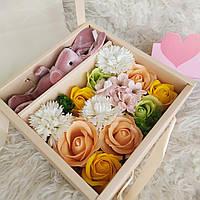 Подарок девушке. Набор роз из мыла и зайчик. Подарок на праздник. Цветы из мыла