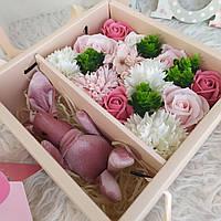 Подарок жене. Набор роз из мыла и зайчик. Подарок на праздник. Супер подарок