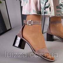 Замшевые босоножки цвета капучино на каблуке, фото 2