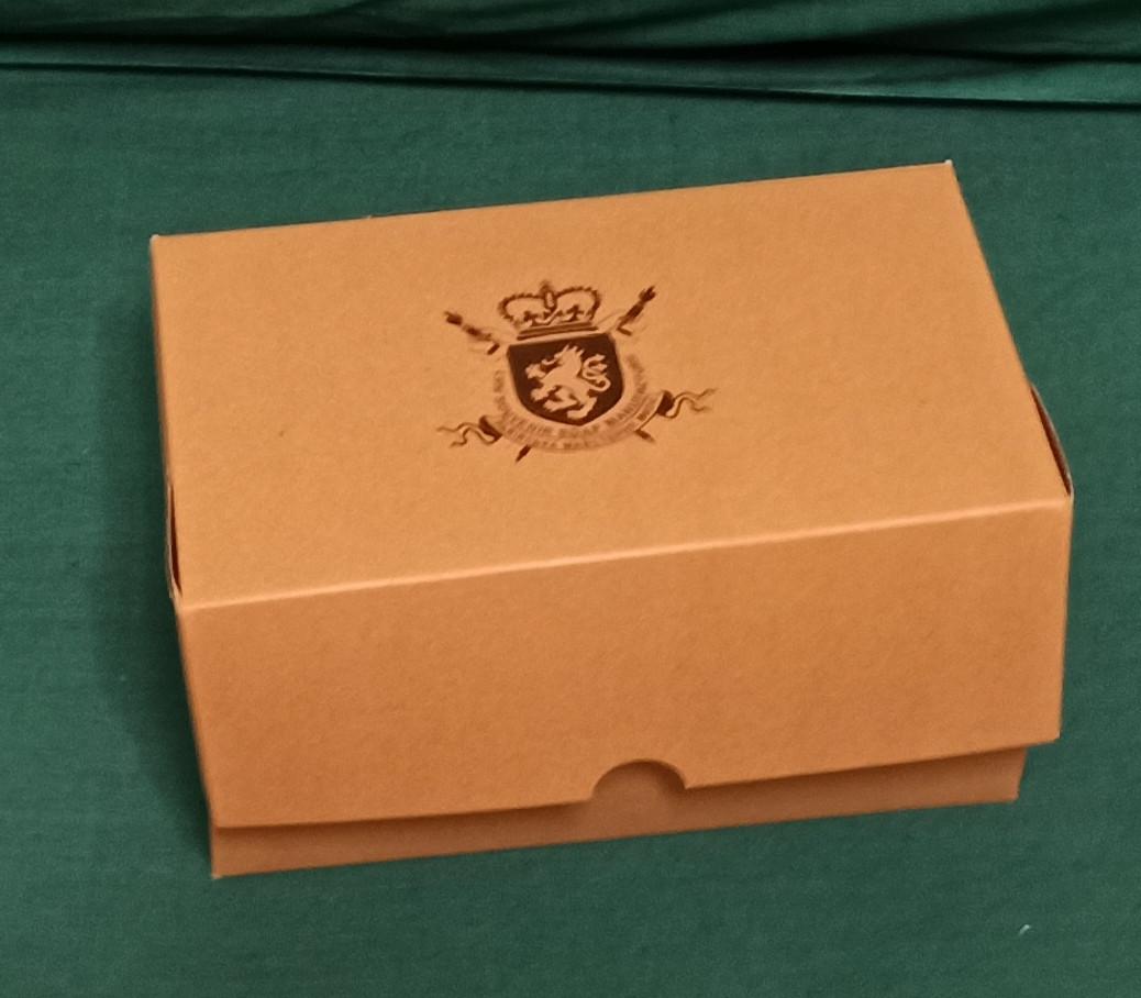 Коробка подарочная картонная крафтовая