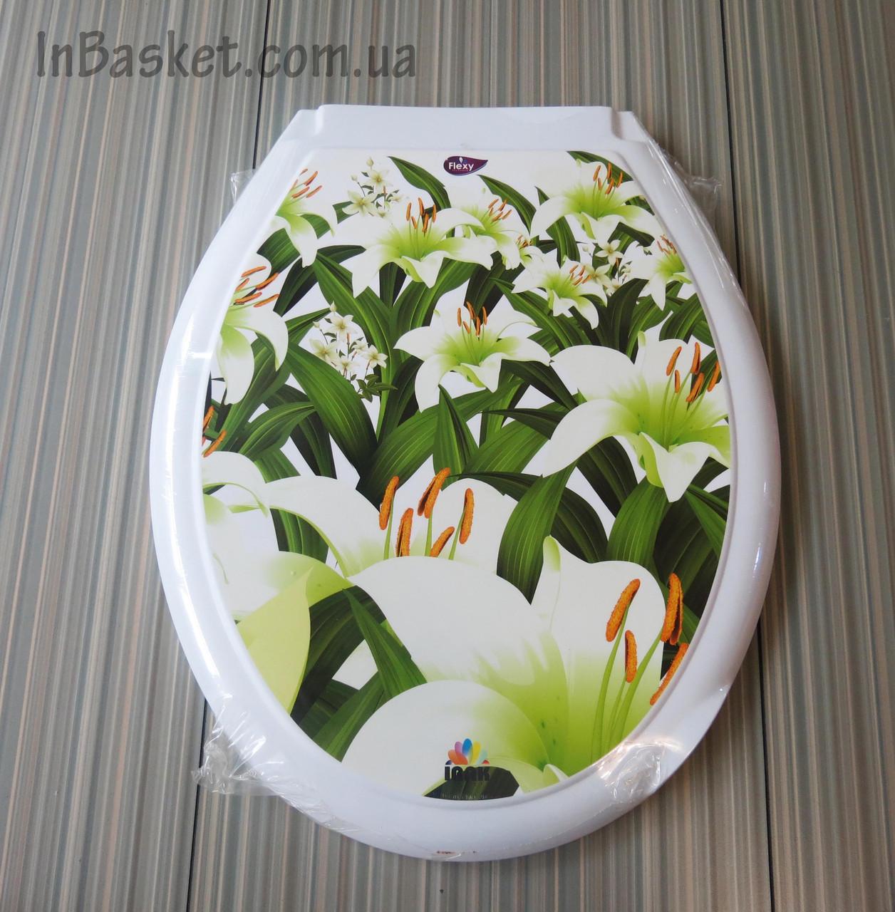Крышка на унитаз с рисунком Лилия