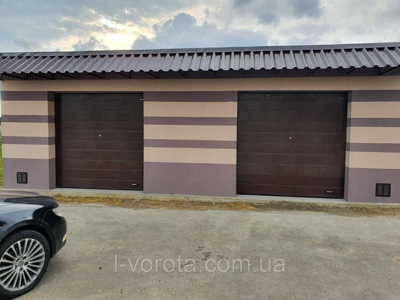Ворота гаражные секционные DoorHan 2500*2500 (коричневый цвет)