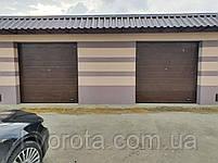 Ворота гаражные секционные DoorHan 2500*2500 (коричневый цвет), фото 2