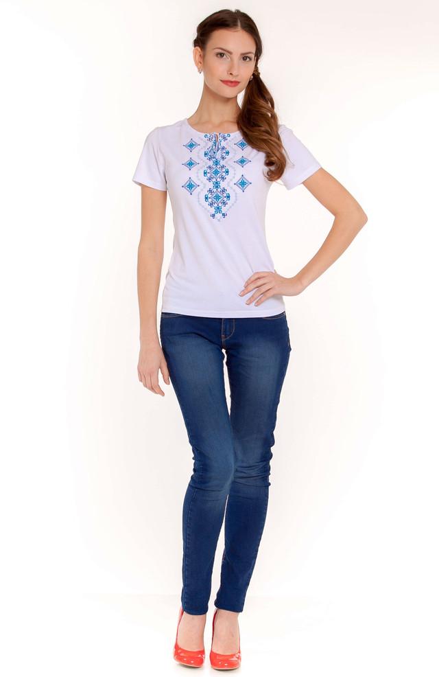 вышитая футболка с узором украинский орнамент синий
