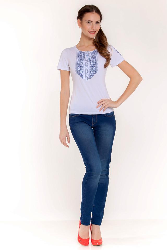вышитая футболка с узором мережка синяя