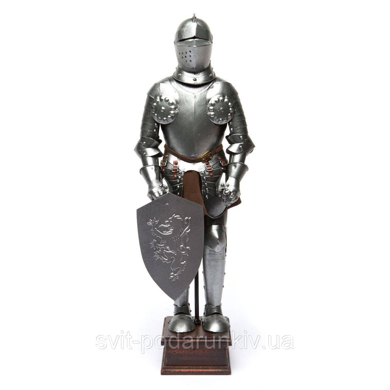 Статуэтка рыцаря средневековья в доспехах S706