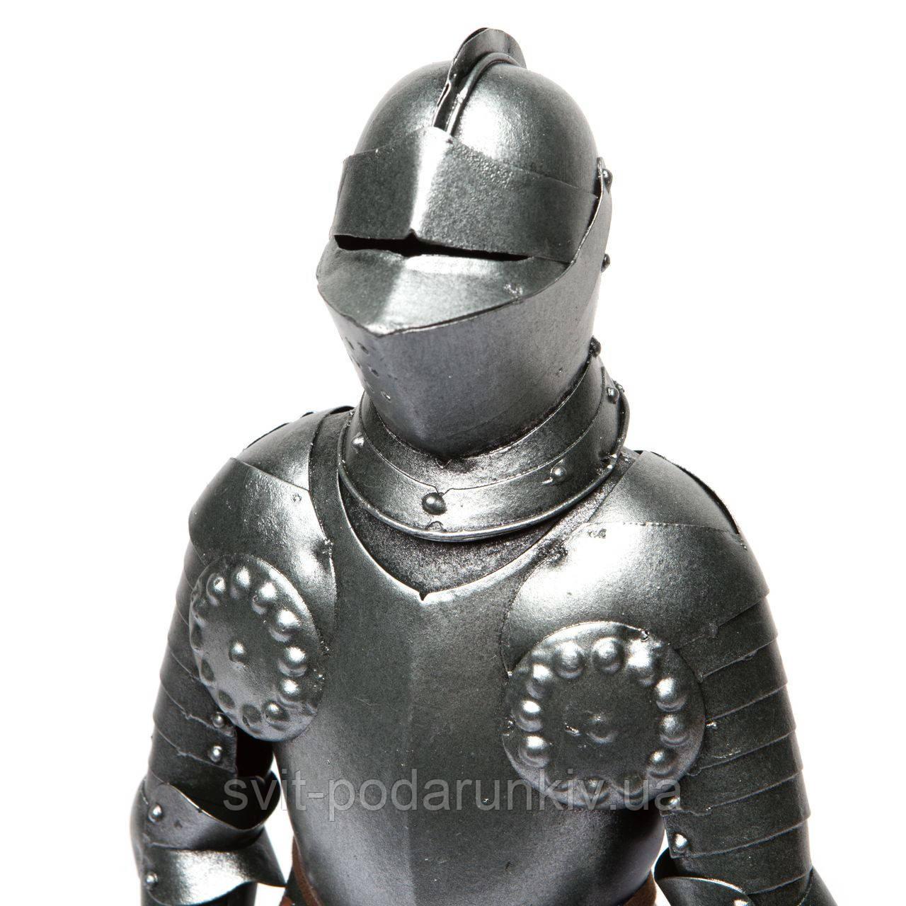 Доспехи рыцаря