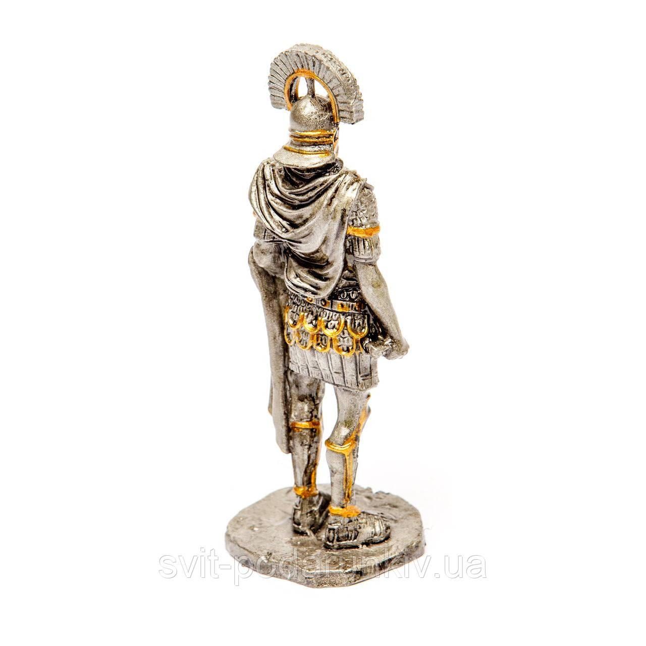 статуэтка воина