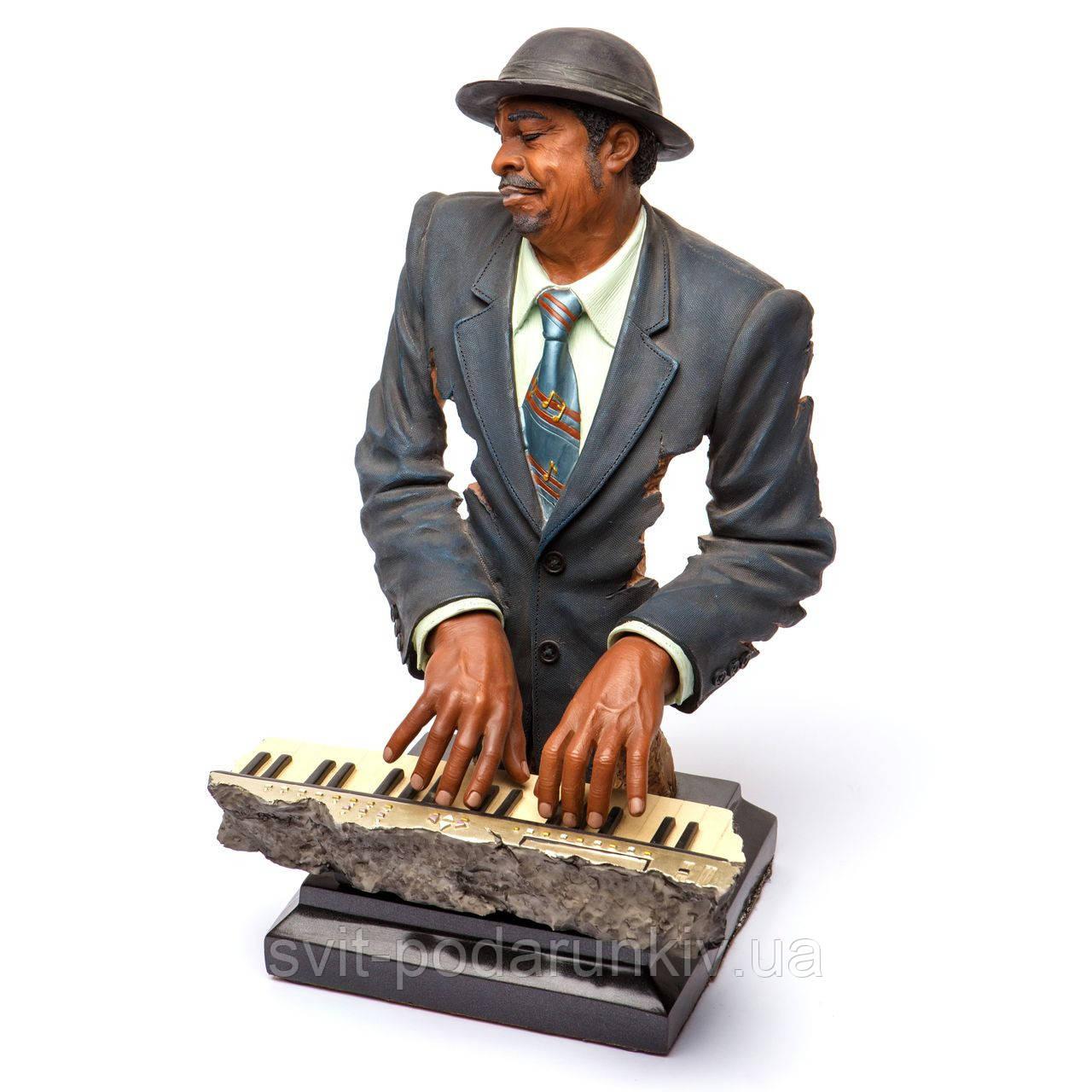 Статуэтка пианиста джазовый музыкант играет на клавишах S524