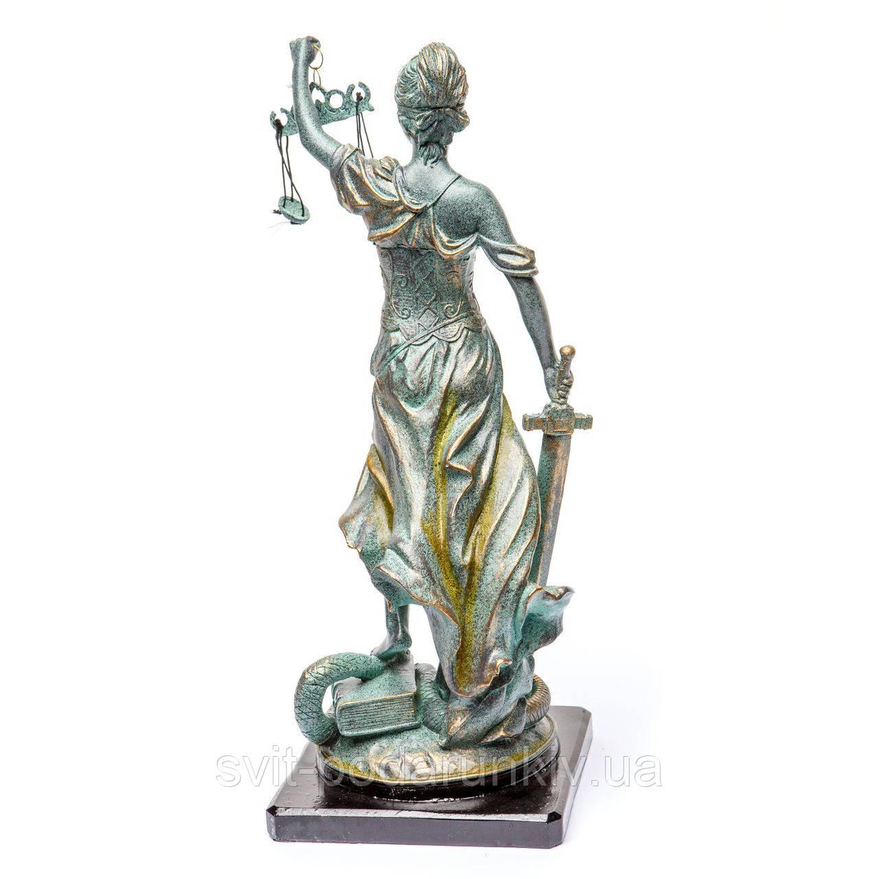 статуэтка Фемида