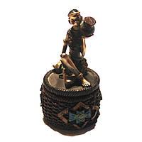 Шкатулка со статуэткой африканской девушки на крышке 7626B