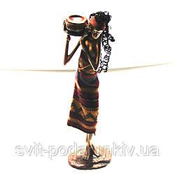 Статуэтка африканской девушки с амфорой 90002 C