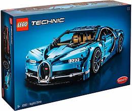 Авто-конструктор LEGO Technic Bugatti Chiron (42083)