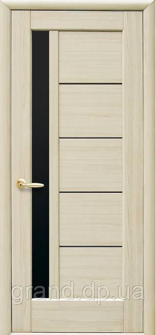 Межкомнатная дверь  Грета ПВХ DeLuxe с черным стеклом,цвет ясень new