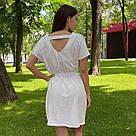 Сукня-футболка оверсайз з поясом на карабіні біле, фото 3