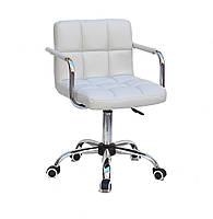 Кресло мастера Арно, светло- серая экокожа с подлокотниками на колесах