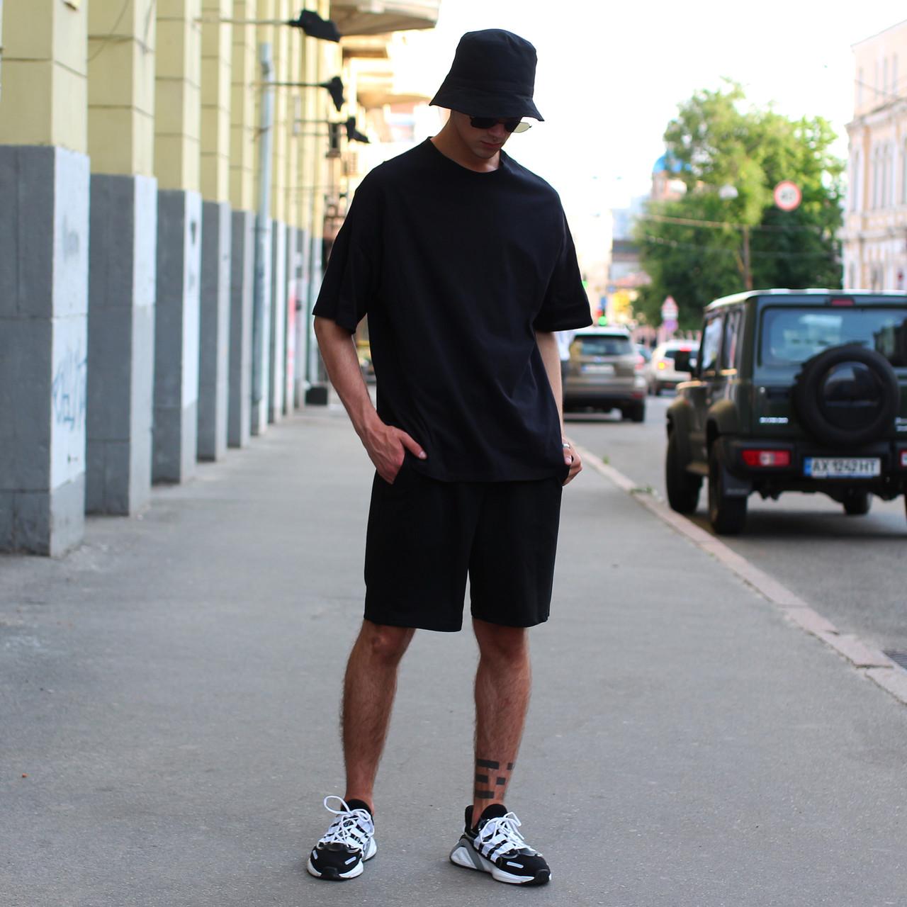 Летний комплект чёрная футболка мужская Quil (Квин) и чёрные шорты мужские Duncan (Дункан) TURWEAR