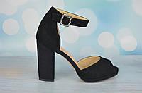 Замшевые босоножки на каблуке Molka
