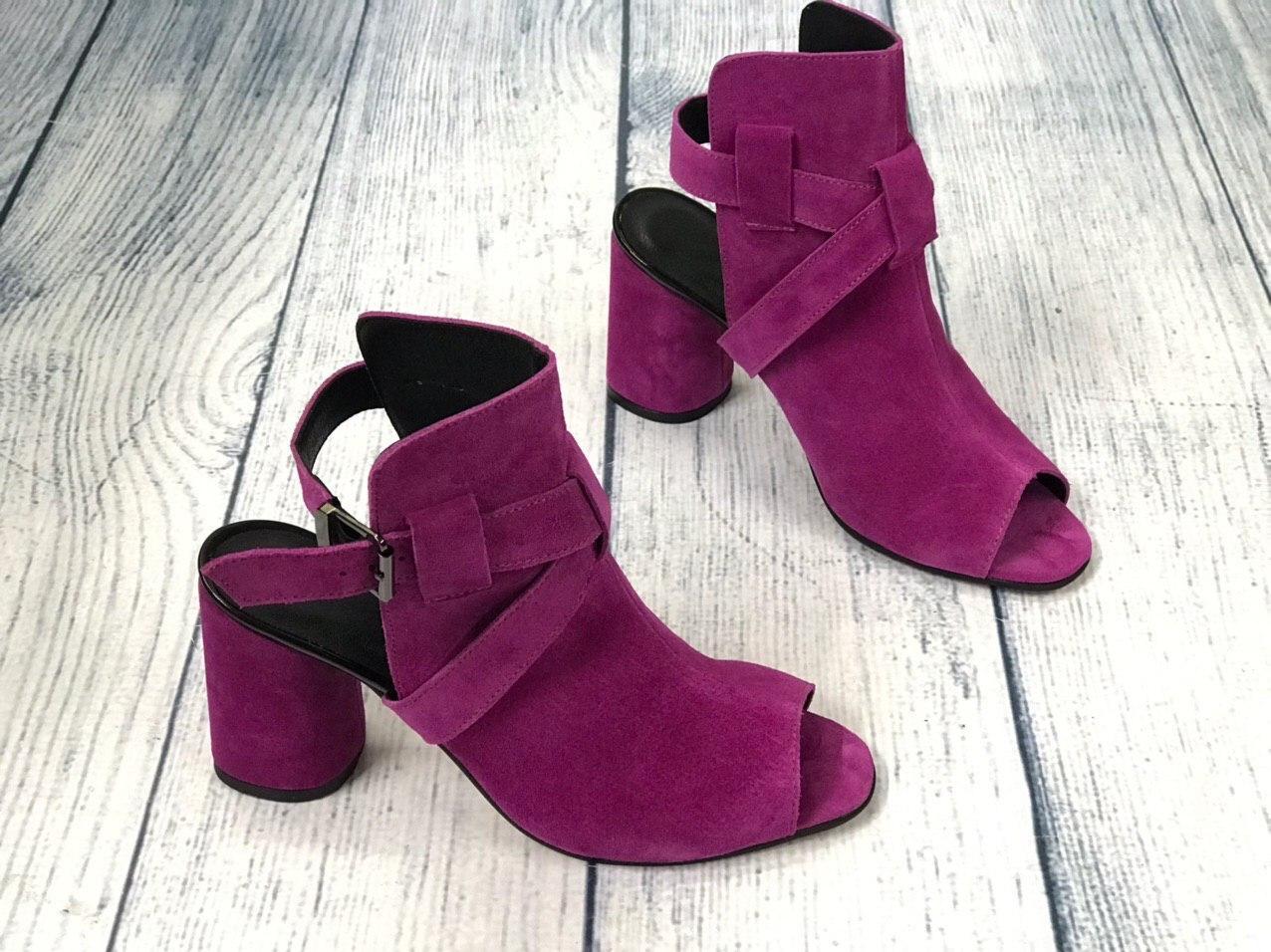Красивые босоножки на каблуке 8 см каблук, кожа или замша пошив размеры 36-40