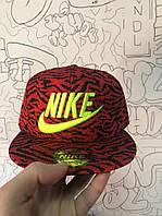 Снэпбек Nike Красный