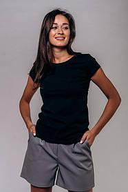 Жіноча чорна однотонна базова футболка