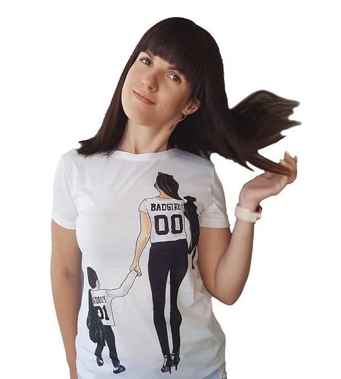 """Модная белая женская футболка с принтом """"Мама с сыном"""""""