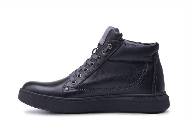 Высокие мужские ботинки на меху из натуральной кожи