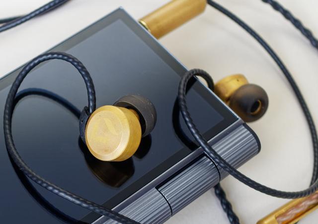 Рисунок - топовые наушники Dita Brass Limited Edition обзор и отзывы
