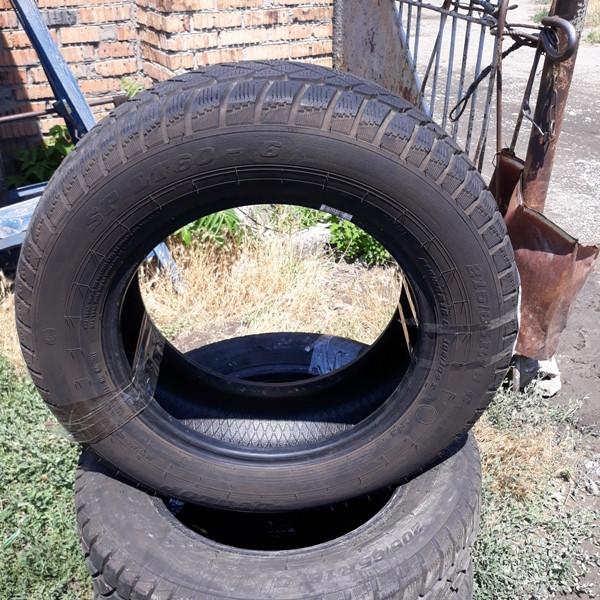 Почти Новые! Шины б.у. 215.65.r16с Dunlop SP LT60-6 Данлоп. Резина бу для микроавтобусов. Автошина усиленная.