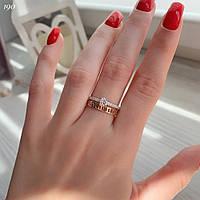 Красивое женское кольцо из серебра 925 пробы с золотыми вставками и белыми фианитами, фото 1