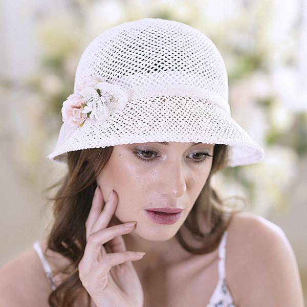 Женская  шляпа маленькие поля 6 см из рисовой соломки размер 55-59