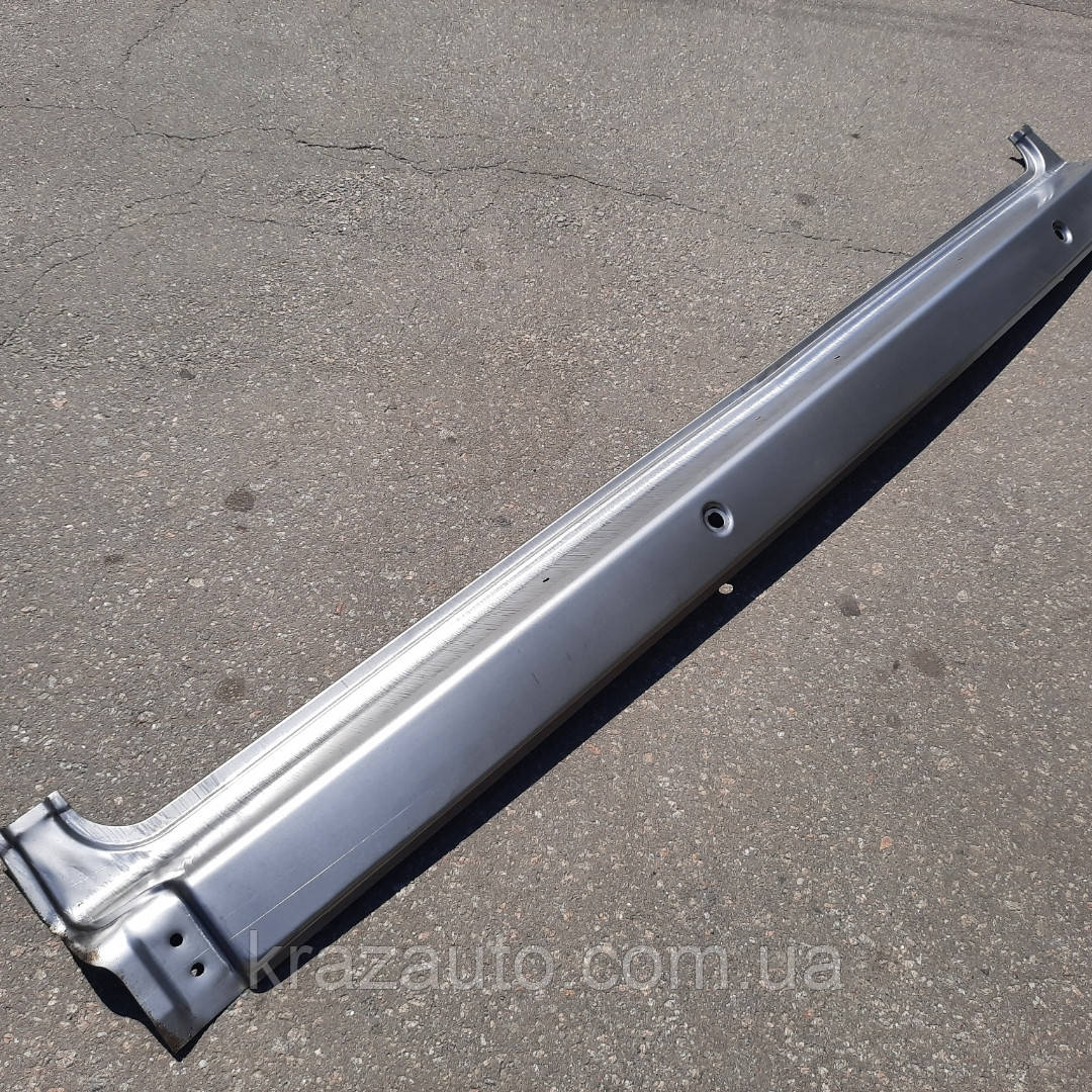 Рамка  лобового стекла нижняя часть  КАМАЗ (старого обр.2щетки) 5320-5301014
