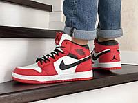 Мужские зимние кроссовки красные с белым Nike Air Jordan 1 Retro 8669