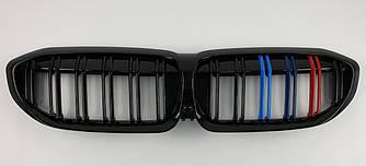 Решетка радиатора ноздри BMW 3 G20 (2019+) стиль M3 (черный глянц + м колор)
