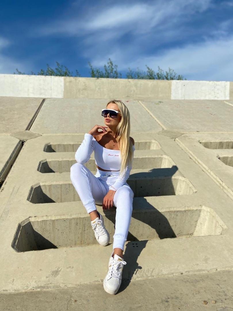 Женский летний белый спортивный костюм с топом и штанами, Белый женский спортивный костюм, Спортивный костюм летний белый.