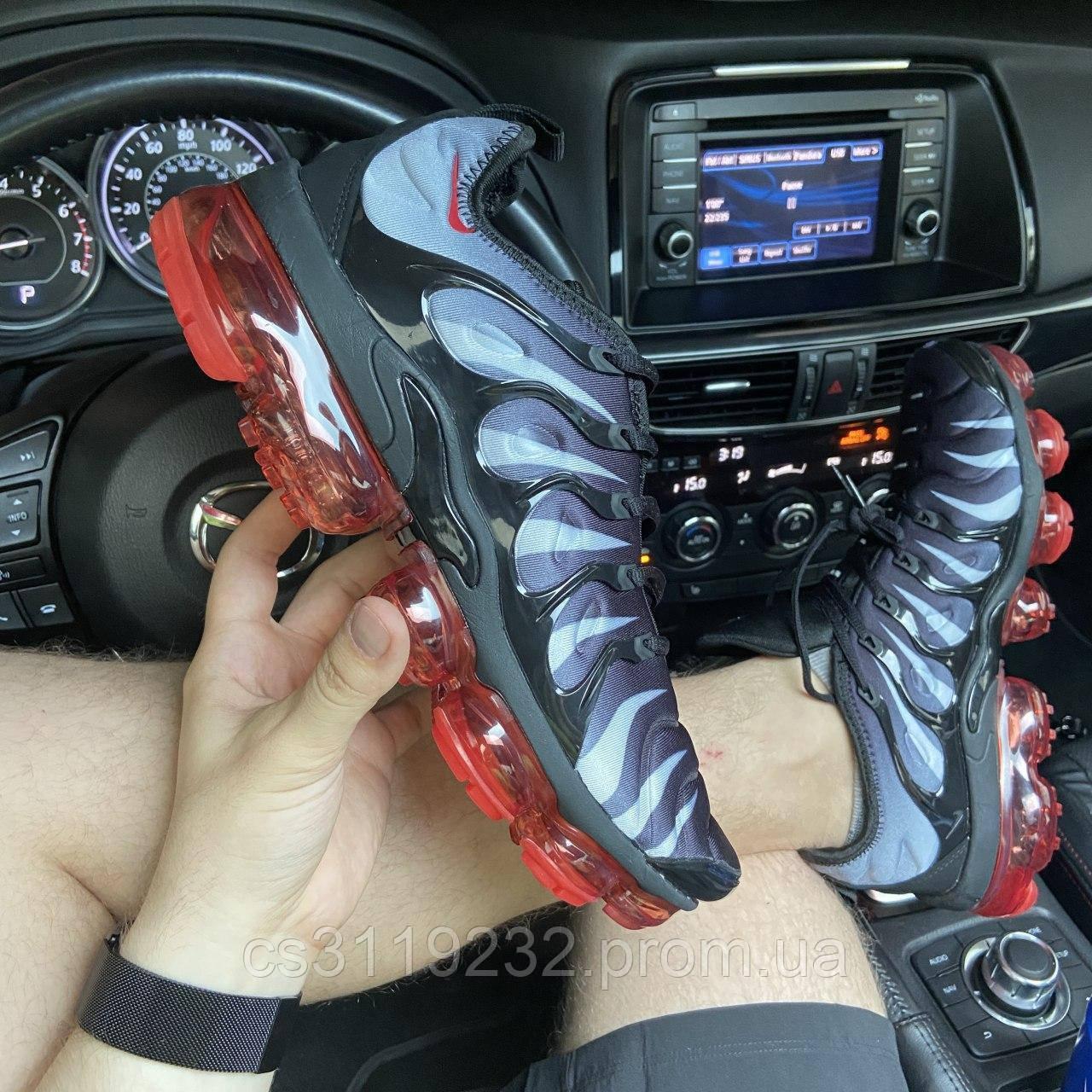 Мужские кроссовки NikeVaporMax TN Plus Gray Red (черный)