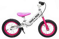 Детский беговел Take&Ride на резиновых надувных колесах с задним ручным тормозом и подножкой RB-50 Pro бело-розовый.