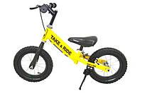 Детский беговел Take&Ride на резиновых надувных колесах с задним ручным тормозом и подножкой RB-50 Pro желто-черный.