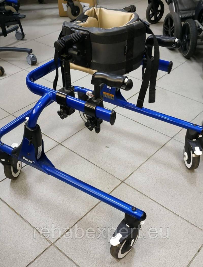 Б/У Задне-опорные ходунки Rifton Pacer Gait Trainers 502 medium Size 2 (Used)