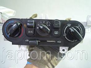 Блок управления печкой (отопителем) кондиционером Mazda 323 BJ 1997-2002г.в.
