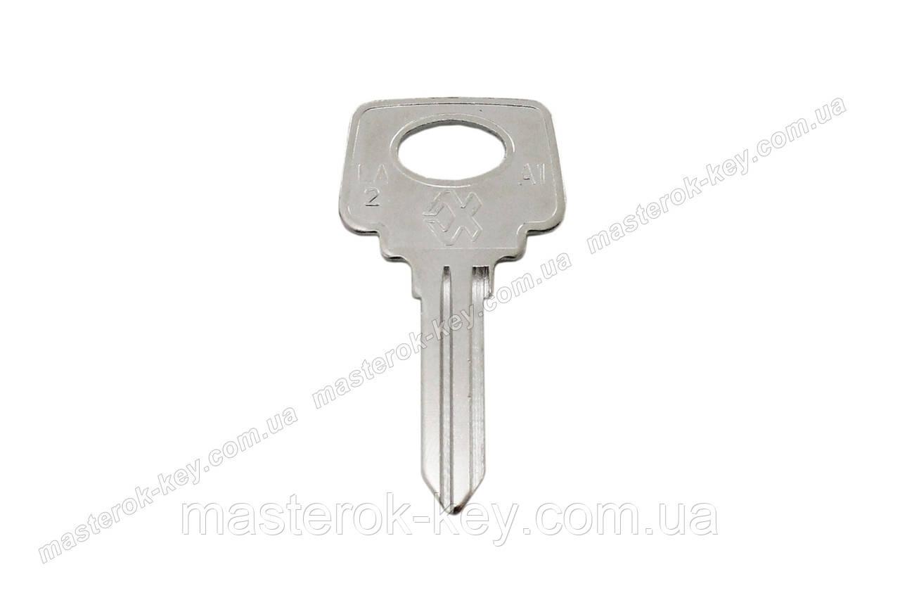 Заготовка автомобильного ключа LA-2