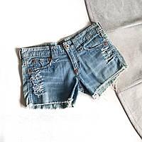 Короткие женские джинсовые шорты светло-синие