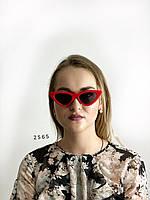Модные красные ретро-очки